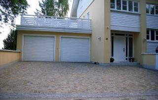 Gartengestaltung Garageneinfahrt aus Granitpflaster