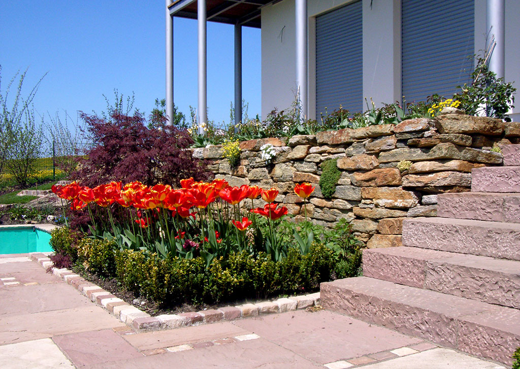 Gartengestaltung Naturstein Gartenteich
